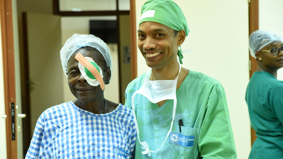 Jaona with his client Mbone Madeleine at the MICEI hospital.