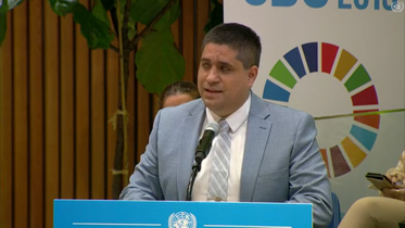 Mr. Jose Viera presents at the podium of the SDG Summit